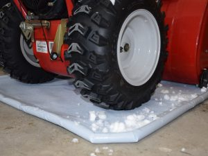 grey antiskid snowblower mat